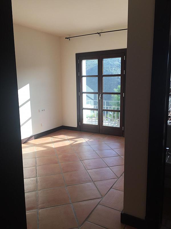 Piso en alquiler en calle Banahavis, Benahavís - 225710653