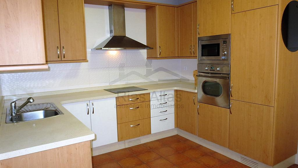 Piso en alquiler en calle Luis Freire Garcia, Palavea-Mesoiro-Feans en Coruña (A) - 296605514