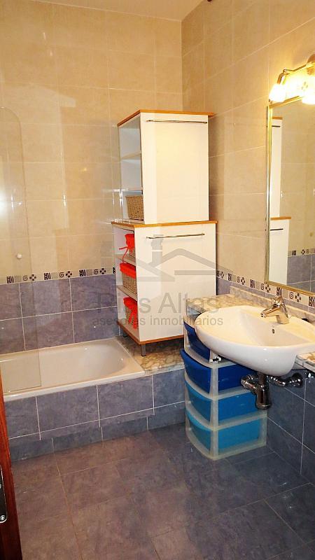 Piso en alquiler en calle Luis Freire Garcia, Palavea-Mesoiro-Feans en Coruña (A) - 296605534