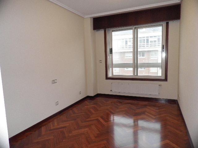 Dormitorio - Piso en alquiler en calle Enrique Mariñas, Someso-Matogrande en Coruña (A) - 56128644