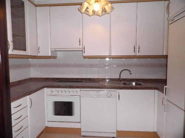 Cocina - Piso en alquiler en calle Enrique Mariñas, Someso-Matogrande en Coruña (A) - 56128660