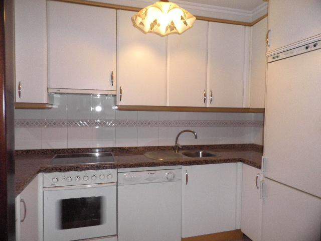 Cocina - Piso en alquiler en calle Enrique Mariñas, Someso-Matogrande en Coruña (A) - 56128670