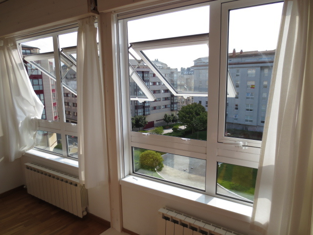 Apartamento en alquiler en calle Vereda del Polvorin, Monte Alto-Zalaeta-Atocha en Coruña (A) - 118511696