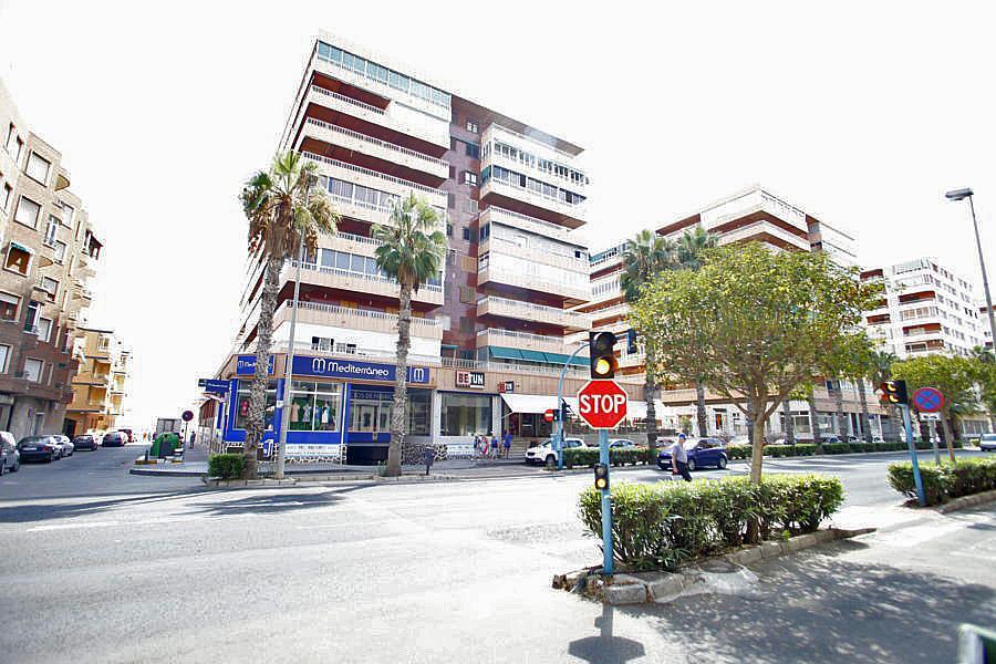 Local comercial en alquiler en calle Doctor Gregorio Marañón,  El Acequión - Los Naúfragos en Torrevieja - 323914667