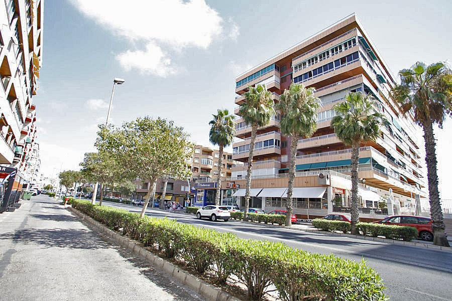 Local comercial en alquiler en calle Doctor Gregorio Marañón,  El Acequión - Los Naúfragos en Torrevieja - 323914672