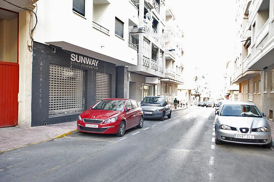 Local comercial en alquiler en calle Almudena, Centro en Torrevieja - 327214902
