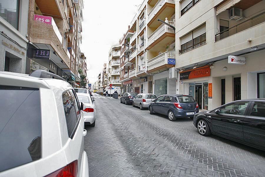 Local comercial en alquiler en calle Joaquin Chapaprieta, Centro en Torrevieja - 223550455