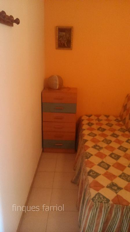Dormitorio - Piso en alquiler en calle Vendrell, Capellans o acantilados en Salou - 318853376