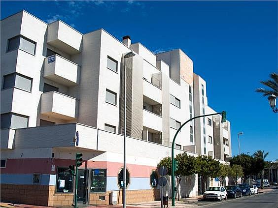 Piso en alquiler en calle Curro Romero, Roquetas de Mar - 204832949