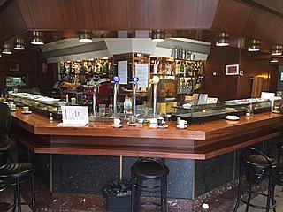 Local comercial en alquiler en Fuente del Berro en Madrid - 323026573