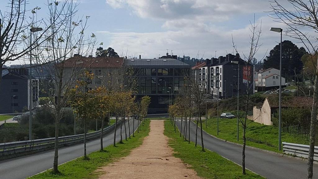Garaje en alquiler en calle Avenida Syra Alonso, Santiago de Compostela - 337524330