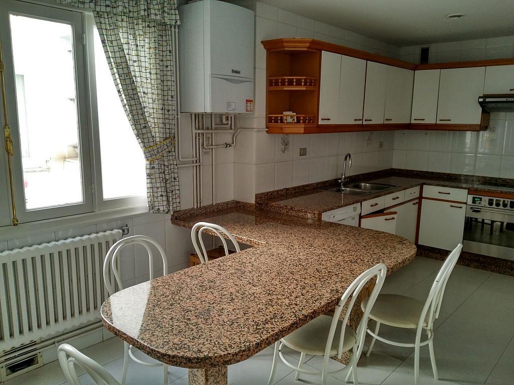 Piso en alquiler en calle Da Senra, Santiago de Compostela - 362195060