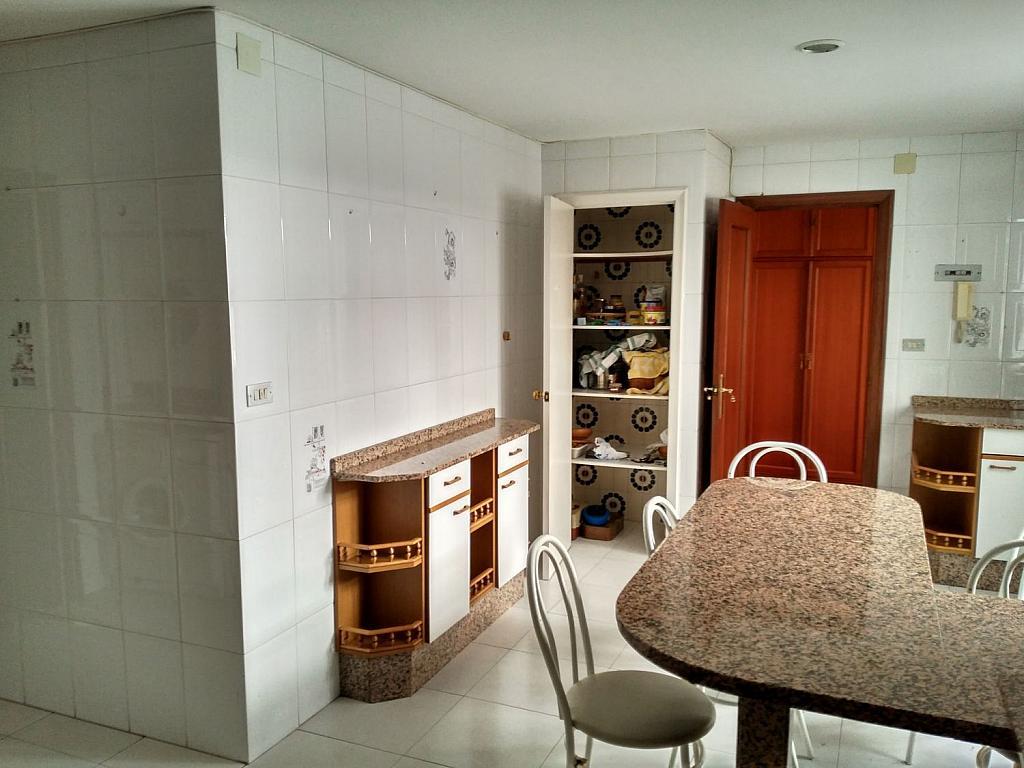 Piso en alquiler en calle Da Senra, Santiago de Compostela - 362195099