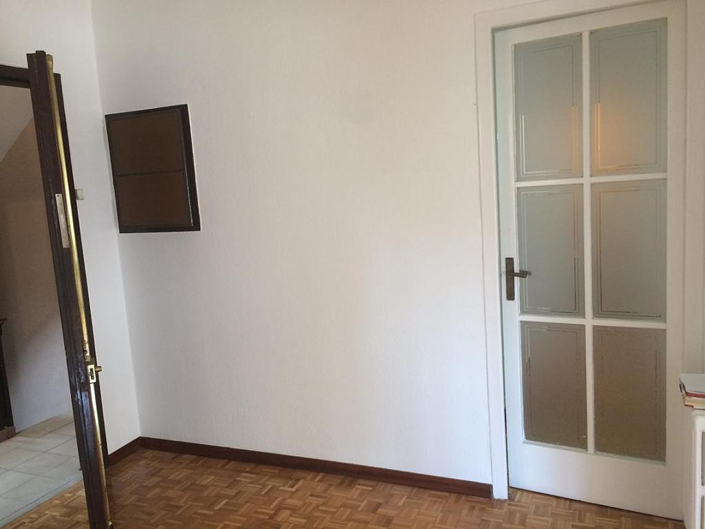 Piso en alquiler en calle Virgen de Montserrat, El Guinardó en Barcelona - 212169717