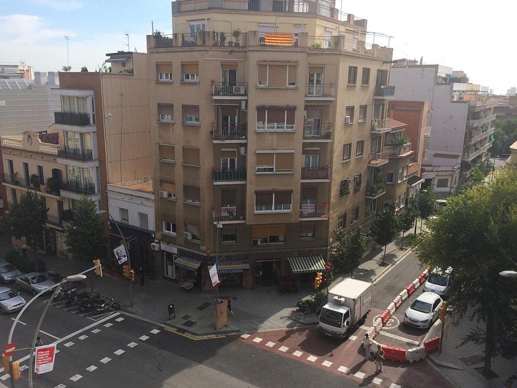 Piso en alquiler en calle Virgen de Montserrat, El Guinardó en Barcelona - 212169734