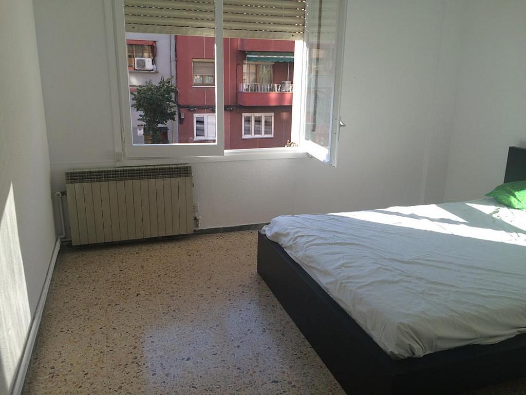 Piso en alquiler en calle Mare de Deu de Montserrat, El Guinardó en Barcelona - 213636031