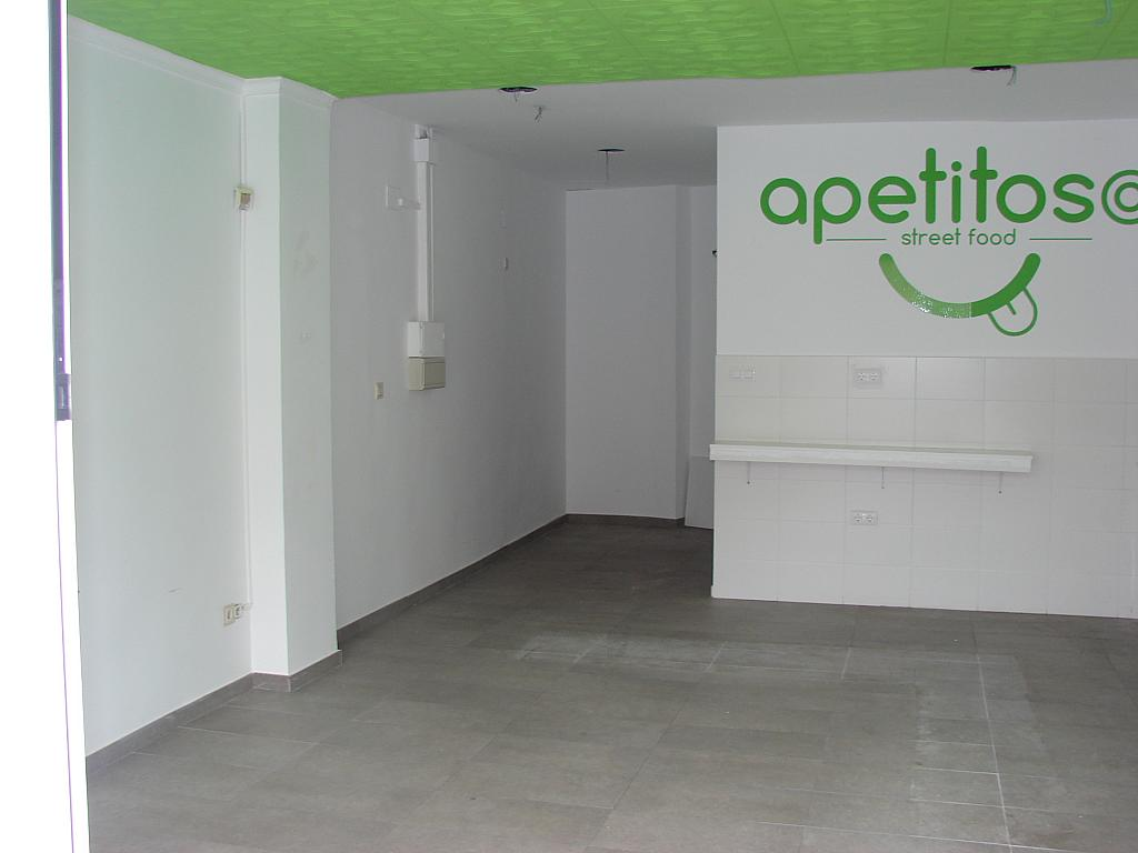 Local comercial en alquiler en calle Luis Lamarca, Nou Moles en Valencia - 205735137