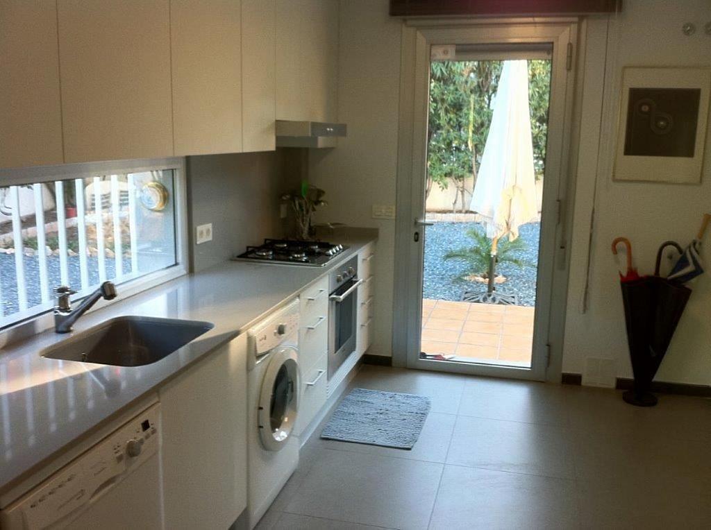 Casa en alquiler en La Cañada en Paterna - 359320082