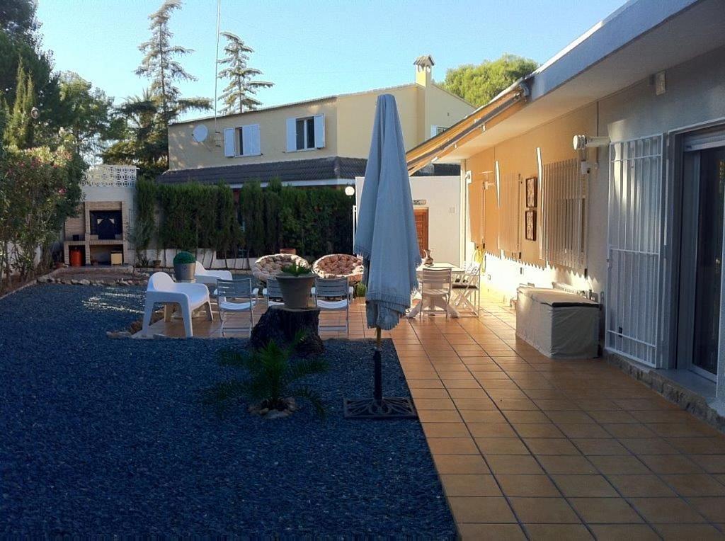 Casa en alquiler en La Cañada en Paterna - 359320106