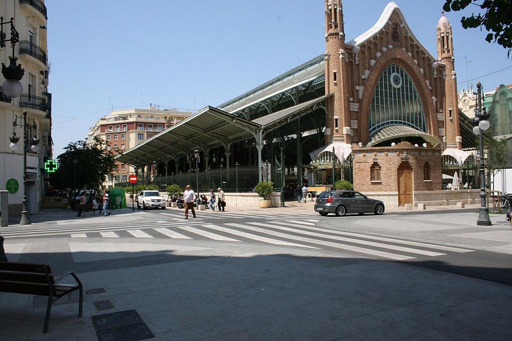 Local comercial en alquiler en El Pla del Remei en Valencia - 359317124
