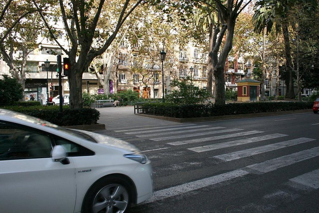 Local comercial en alquiler en Gran Vía en Valencia - 359315423