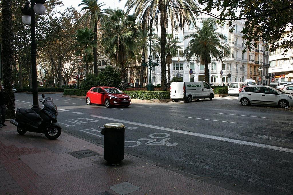 Local comercial en alquiler en Gran Vía en Valencia - 359315441