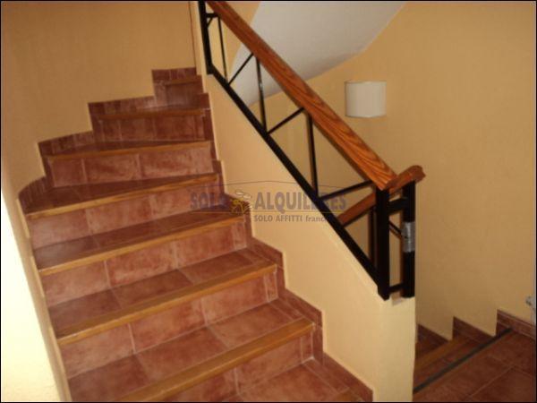 ESCALERA - Chalet en alquiler en calle Torres Blancas, Alcayna - 69528351