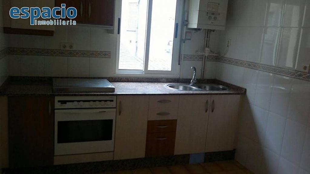 Foto - Piso en alquiler en calle Flores del Sil, Ponferrada - 329783407