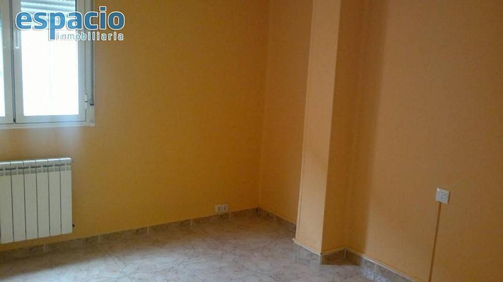 Foto - Piso en alquiler en calle Flores del Sil, Ponferrada - 329783410