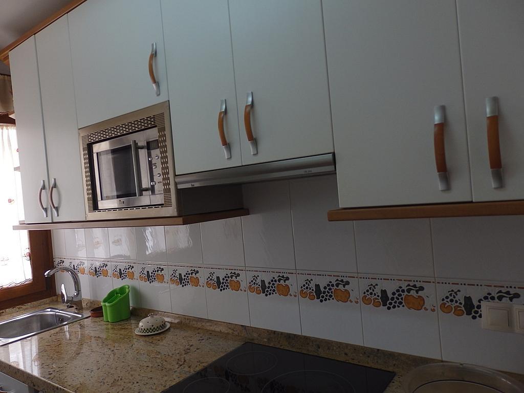 Cocina - Piso en alquiler de temporada en calle Pedro del Camino Mijarazo, Ajo - 256415810