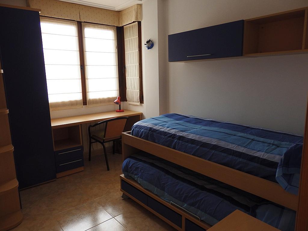 Dormitorio - Piso en alquiler de temporada en calle Pedro del Camino Mijarazo, Ajo - 256415829