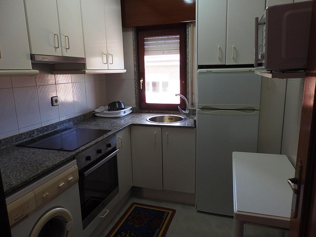 Cocina - Piso en alquiler de temporada en calle Benedicto Ruiz, Ajo - 298042317