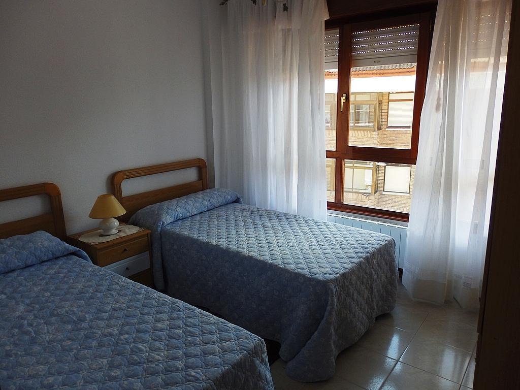 Dormitorio - Piso en alquiler de temporada en calle Benedicto Ruiz, Ajo - 298042385