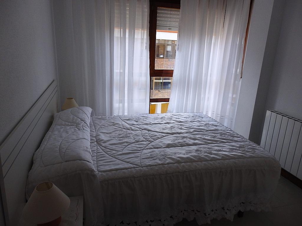 Dormitorio - Piso en alquiler de temporada en calle Benedicto Ruiz, Ajo - 298042393