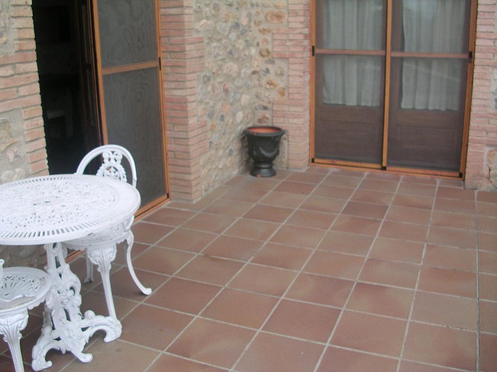 Terraza - Casa rural en alquiler en calle Bonaire, Sant Mori - 233538462