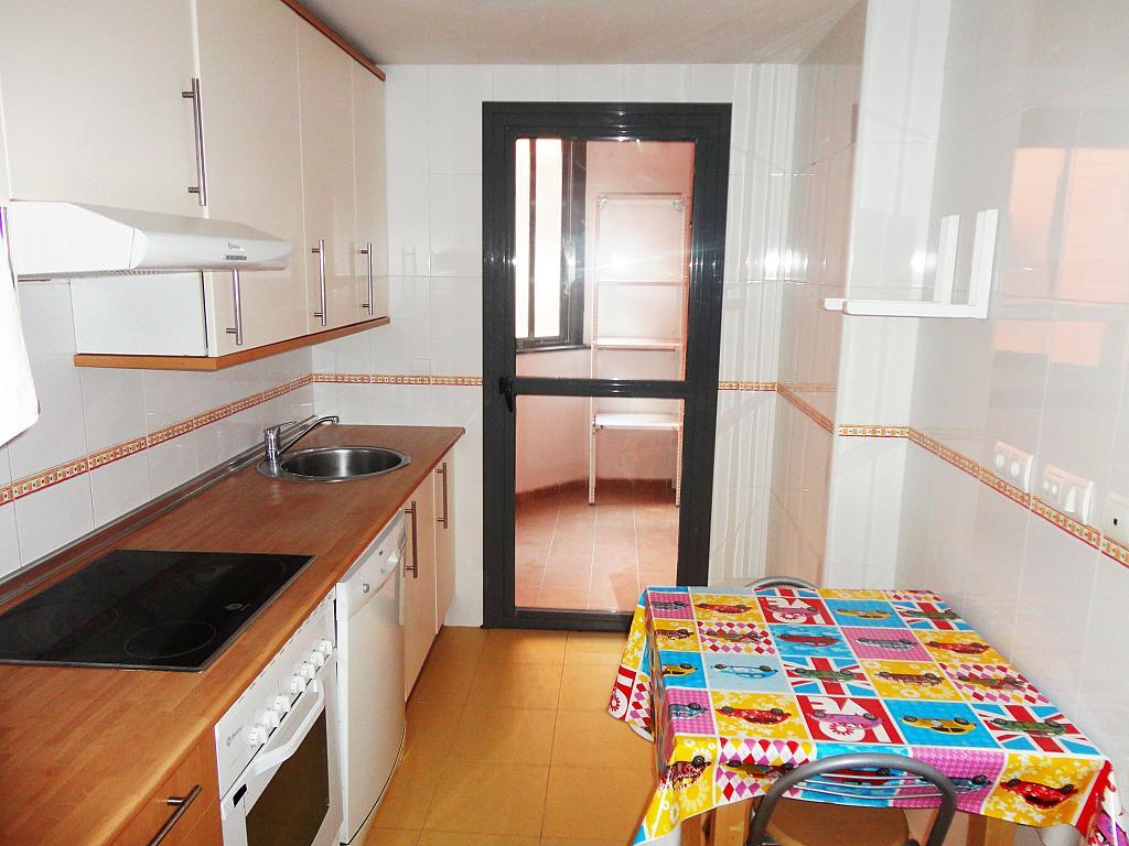 Cocina - Piso en alquiler en calle Nicolas Fusterbuenos Aires, Pinto - 328030656
