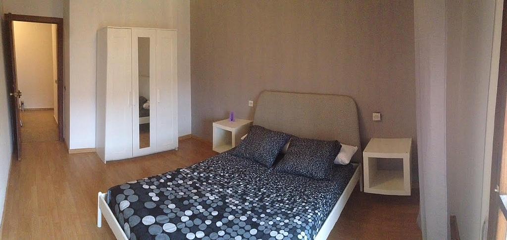 Dormitorio - Piso en alquiler de temporada en calle Cataluña, Polígono-Nuevo Gijón en Gijón - 291771023