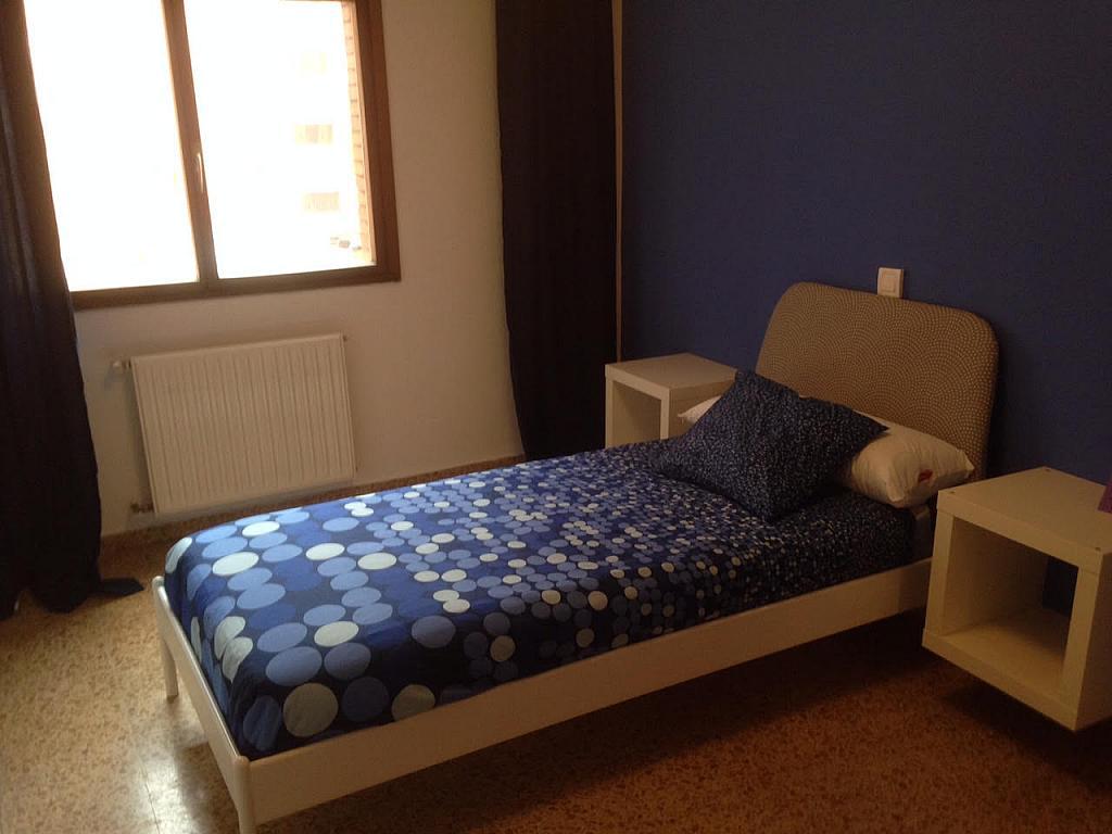 Dormitorio - Piso en alquiler de temporada en calle Cataluña, Polígono-Nuevo Gijón en Gijón - 291771048