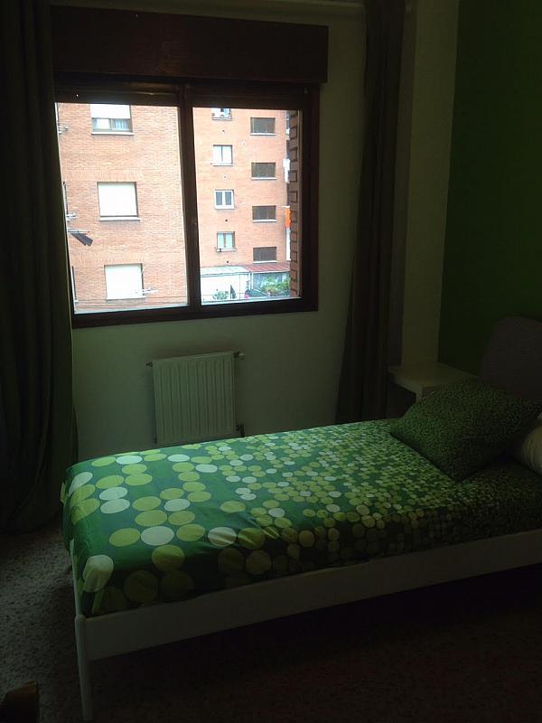 Dormitorio - Piso en alquiler de temporada en calle Cataluña, Polígono-Nuevo Gijón en Gijón - 291771060