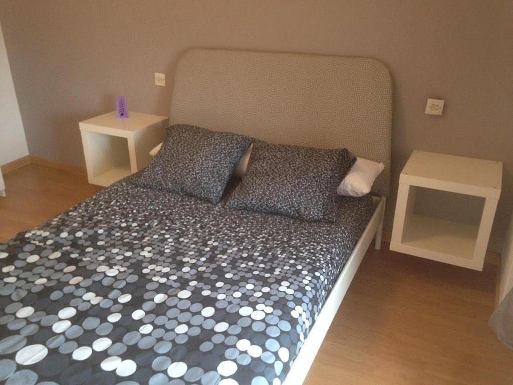 Dormitorio - Piso en alquiler de temporada en calle Cataluña, Polígono-Nuevo Gijón en Gijón - 291771086