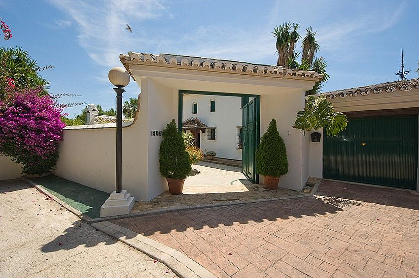 Villa en alquiler en calle Torremuelle, Benalmádena Costa en Benalmádena - 245210263