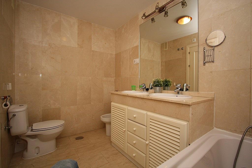Baño - Apartamento en alquiler en ronda Golf Este, Torrequebrada en Benalmádena - 326665844