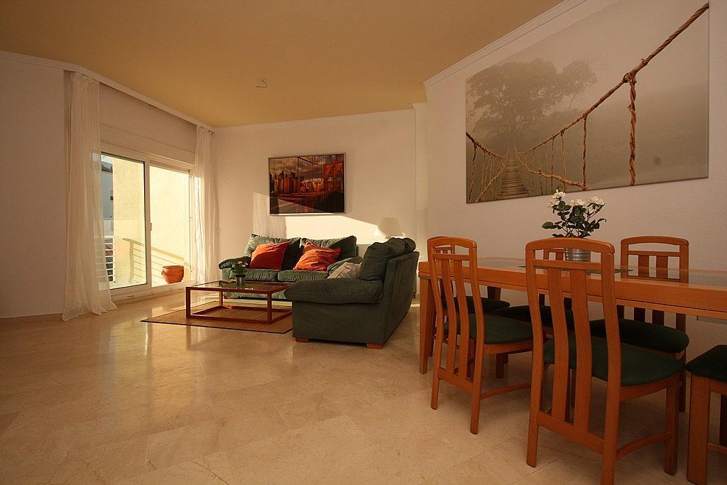 Salón - Apartamento en alquiler en ronda Golf Este, Torrequebrada en Benalmádena - 326665874