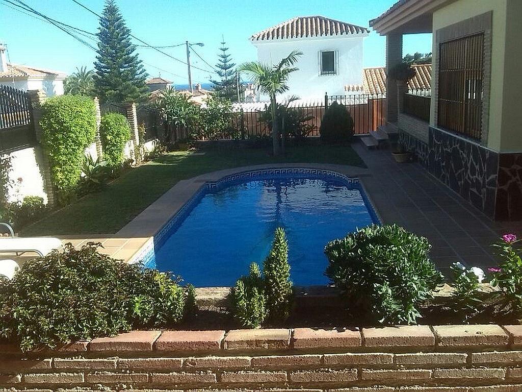 Piscina - Chalet en alquiler en calle Baltico, Torremolinos - 230071776