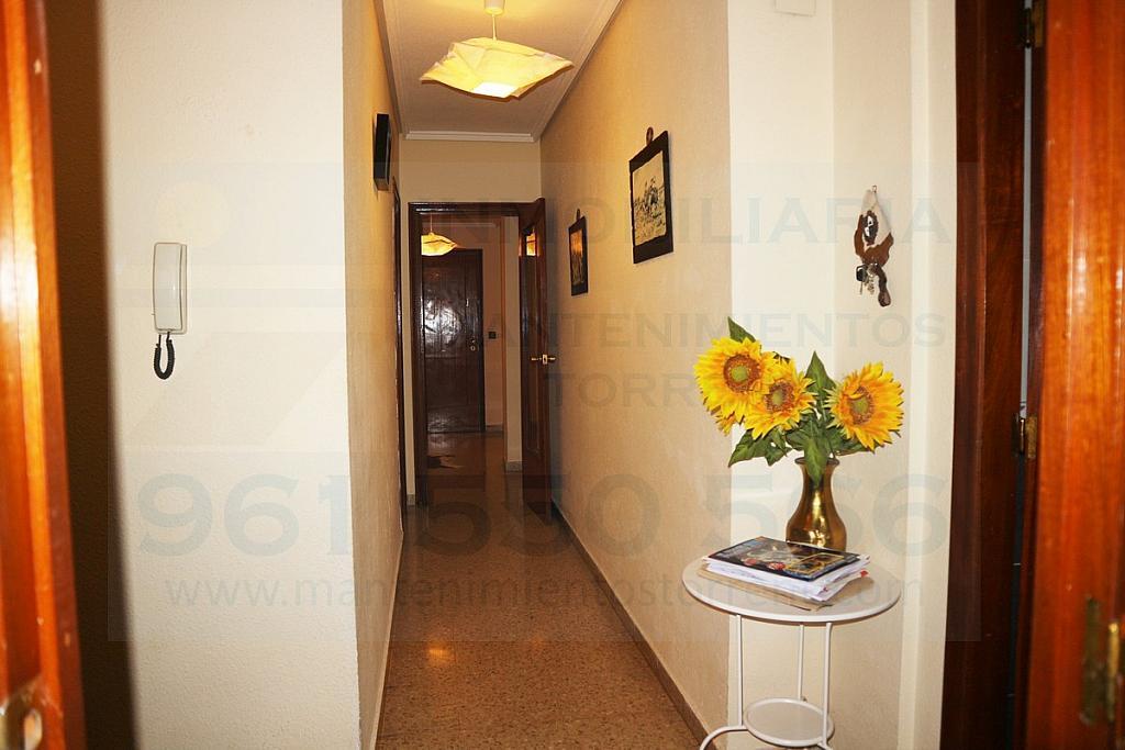 Pasillo - Piso en alquiler en calle Gabriela Mistral, Torrent - 317172123
