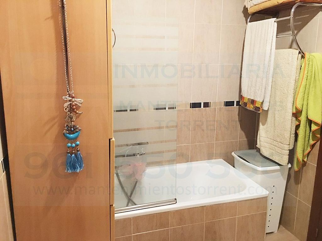 Baño - Piso en alquiler en calle Gabriela Mistral, Torrent - 317172468