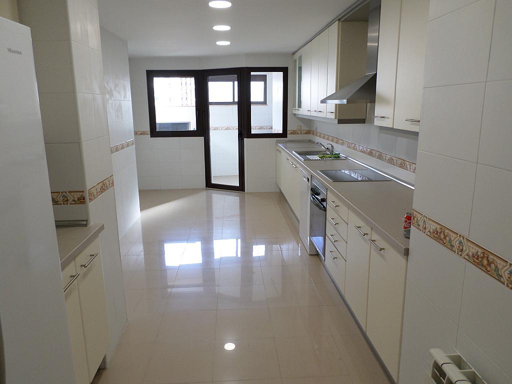 Piso en alquiler en calle Oscar Espla, Centro en Alicante/Alacant - 328506150