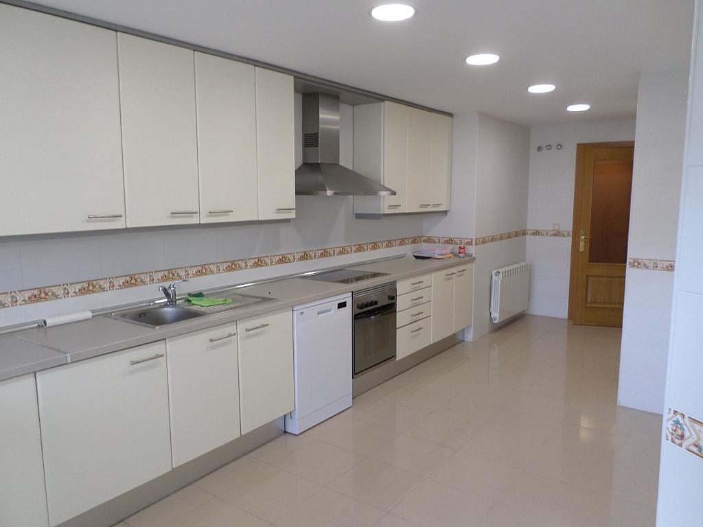 Piso en alquiler en calle Oscar Espla, Centro en Alicante/Alacant - 328506153