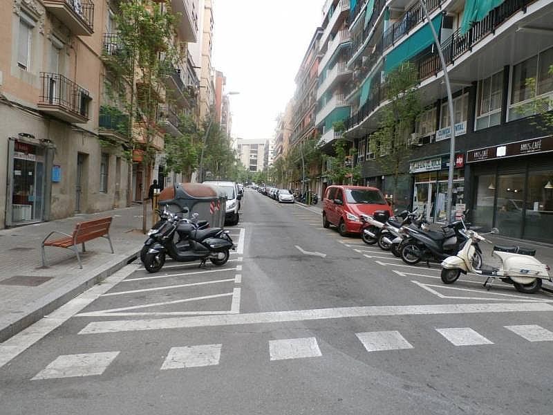 Foto - Local comercial en alquiler en calle Benavent, Les corts en Barcelona - 243081576