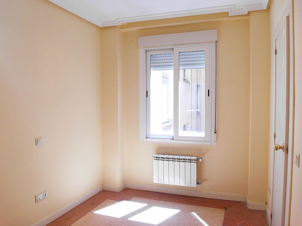 Oficina en alquiler en plaza De Los Mostenses, Centro en Madrid - 251992336